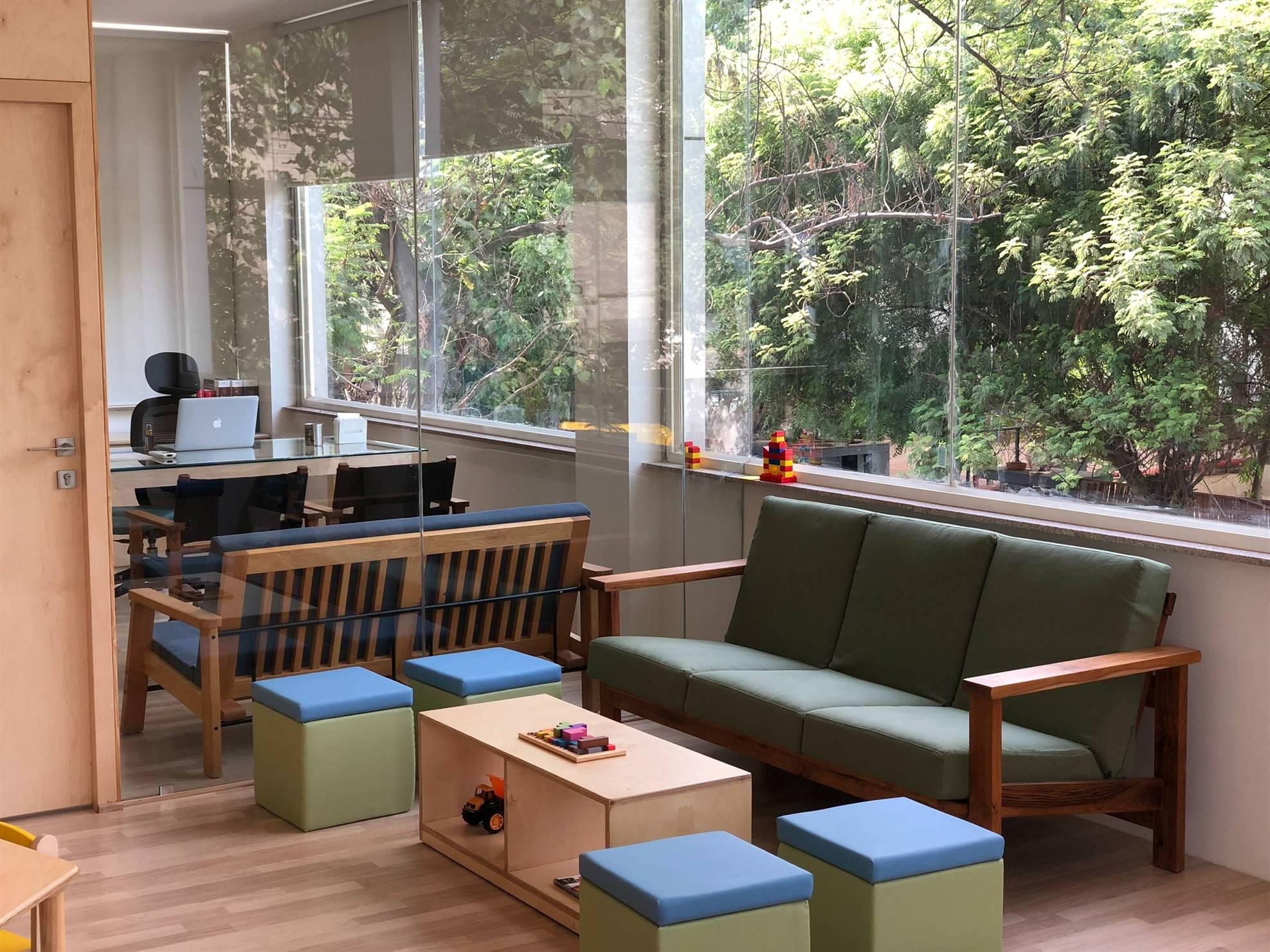 pediatrics-office-doctor-obgyn