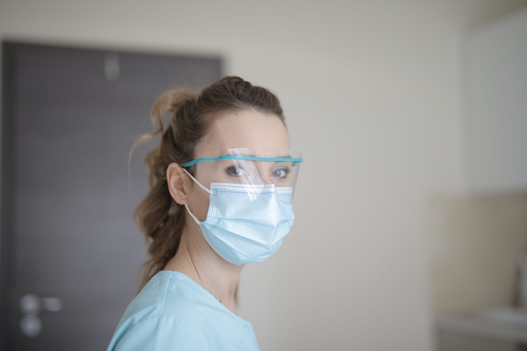 face-mask-woman-healthcare